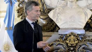 Macri toma juramento a los nuevos ministros de Agroindustria y de Salud