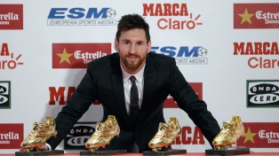 Messi fue premiado y siembra incertidumbre sobre su renovación