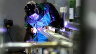 El uso de la capacidad instalada de la industria creció en abril hasta el 67,6%
