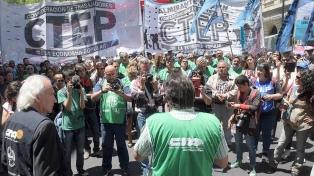 """""""Salimos a reclamar por los derechos laborales y para frenar el ajuste"""", afirman desde la CTEP"""