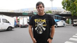 Flema funde la música clásica y el punk en el teatro Roma