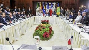 """El chavismo agradeció a la MUD, que quiere un """"acuerdo político y humanitario"""""""