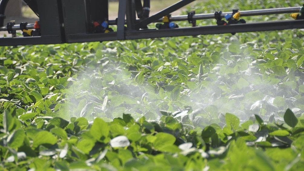 La aplicación de agroquímicos en provincia de Buenos Aires continúa suspendida.