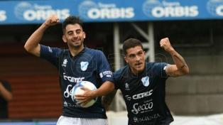 Argentinos se durmió y Temperley rescató un empate
