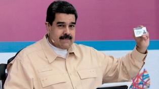 Maduro se sumó a la propuesta para que el 22 de abril se vote el Parlamento
