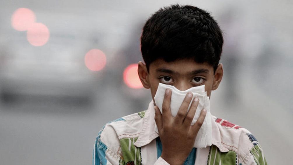"""En el caso de los niños, """"la contaminación atmosférica podría impedir el desarrollo correcto de los pulmones""""."""
