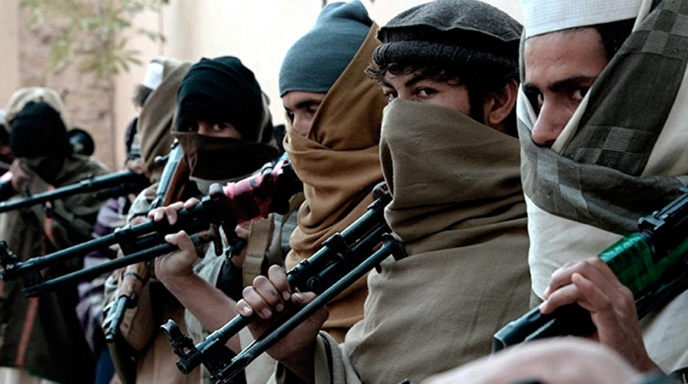"""Como símbolo de la fuerte enemistad que los enfrenta, EI calificó a los talibanes de """"apóstatas"""" en varios comunicados y no los felicitaron por la toma de Kabul el 15 de agosto."""