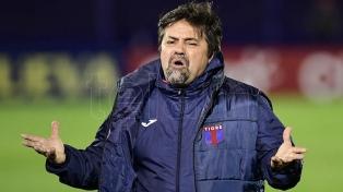 """""""A Diego lo están haciendo pelota"""", dijo Caruso Lombardi sobre Maradona"""