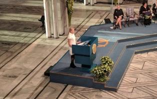 Emotivo alegato antinuclear en la entrega del Nobel de la Paz en Oslo