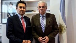Télam y la agencia Kazinform, de Kazajistán, firmaron un acuerdo de colaboración periodística