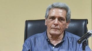 """Carlos Acuña fustigó """"el golpe de Estado"""" y puso en duda el rechazo del Gobierno"""