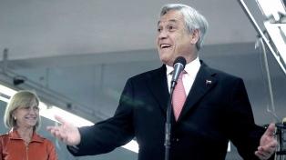 Tras su triunfo, Piñera recibe saludos y felicitaciones de Macri, Rajoy y Evo Morales