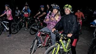 Organizan una bicicleteada nocturna por los derechos de las mujeres