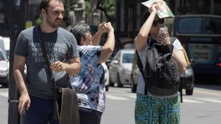 La ola de calor continuará al menos hasta el miércoles en el centro del país