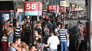 Algo más de 1,2 millones de turistas se movilizarán por todo el país este fin de semana largo