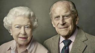 """La reina Isabel II siente un """"gran vacío"""" por la muerte del príncipe Felipe"""