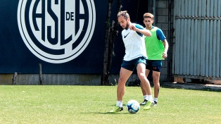 """Almirón espera por dos jugadores para cortar la mala racha ante el """"Bicho"""""""