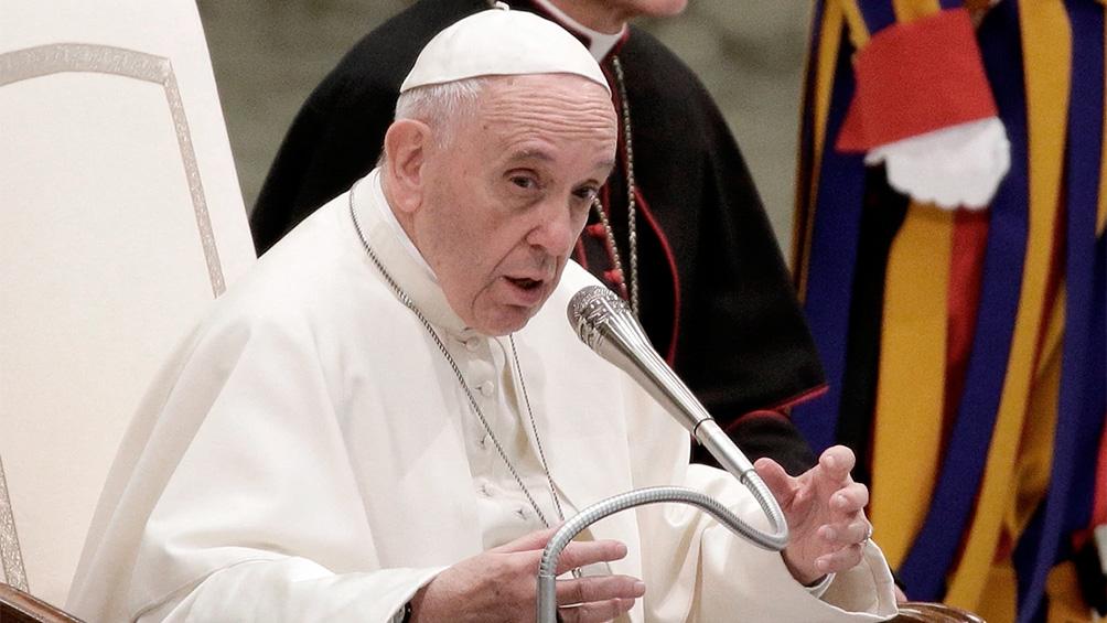 Francisco pidió rezar por quienes