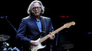 Eric Clapton no se presentará en sitios que exijan certificado de vacunación