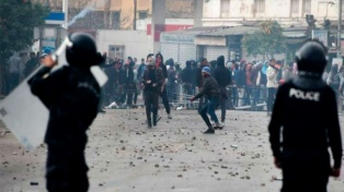 Nuevos disturbios y enfrentamientos entre manifestantes y la policía