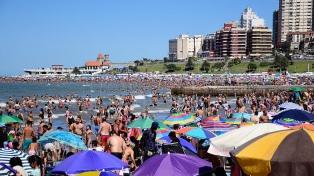 Récord de turistas por el feriado largo en los principales destinos del país