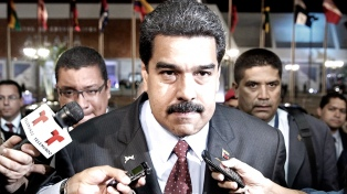 """Maduro negó haber financiado la caravana de migrantes y llamó """"loco"""" a Pence"""