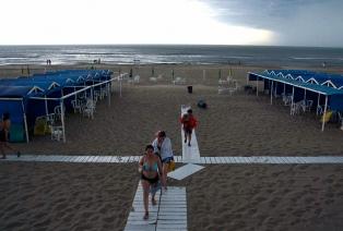 Alerta meteorológica por rayos, lluvia y granizo para la costa atlántica