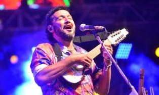 Los Tekis, Bruno Arias y Fortunato Ramos en un espectáculo solidario por Humahuaca