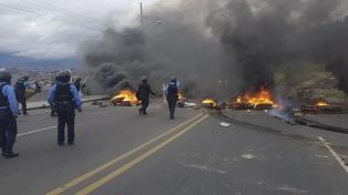 """Un muerto y varios heridos en las protestas contra el """"fraude"""" electoral"""