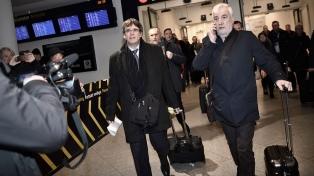 """El gobierno español considera """"una buena noticia""""la detención de Puigdemont"""