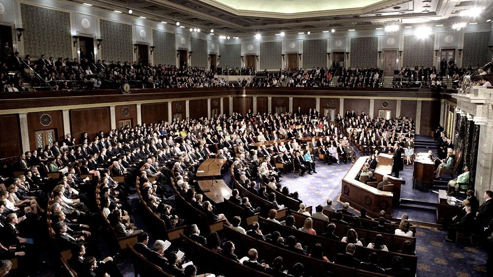 """Demócratas deben convencer a 17 senadores republicanos de que Trump es culpable de """"incitación a la insurrección""""."""