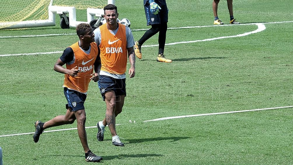 Edwin Cardona y Frank Fabra se concentraron junto a los jugadores de la reserva de Boca.