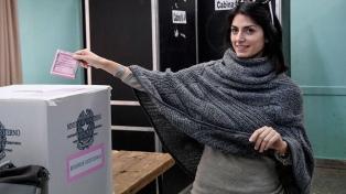Ya votó el 58,4% para elegir nuevo gobierno