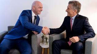 Mauricio Macri será premiado por la FIFA