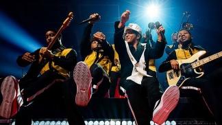 Warner lanzó un festival benéfico con las actuaciones de Ed Sheeran, Bruno Mars y Green Day