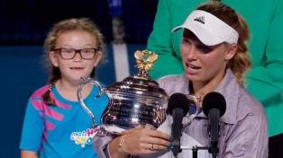Caroline Wozniacki le ganó a Halep y le arrebató el N°1