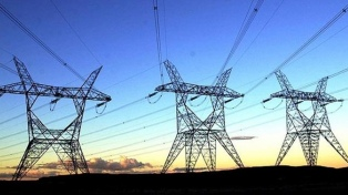 La generación neta de energía retrocedió 15,1% interanual en el segundo trimestre del año