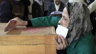 Los egipcios votaron para elegir miembros del Senado, que será reconstituido tras siete años
