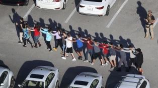 Multitudinaria marcha por un mayor control de las armas tras la masacre