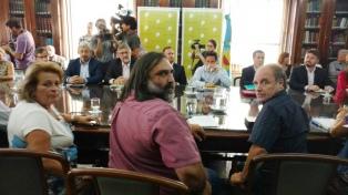 Tercera reunión entre el gobierno de Vidal y docentes a seis días del inicio