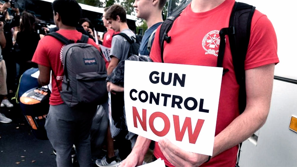 Walmart seguirá vendiendo armas en EE.UU. sin exhibirlas