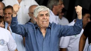 """En una multitudinaria protesta, Moyano advirtió que no tiene """"miedo de ir preso"""""""