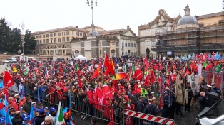 Marchas antifascistas y ultraderechistas sacuden a Italia, a una semana de las elecciones