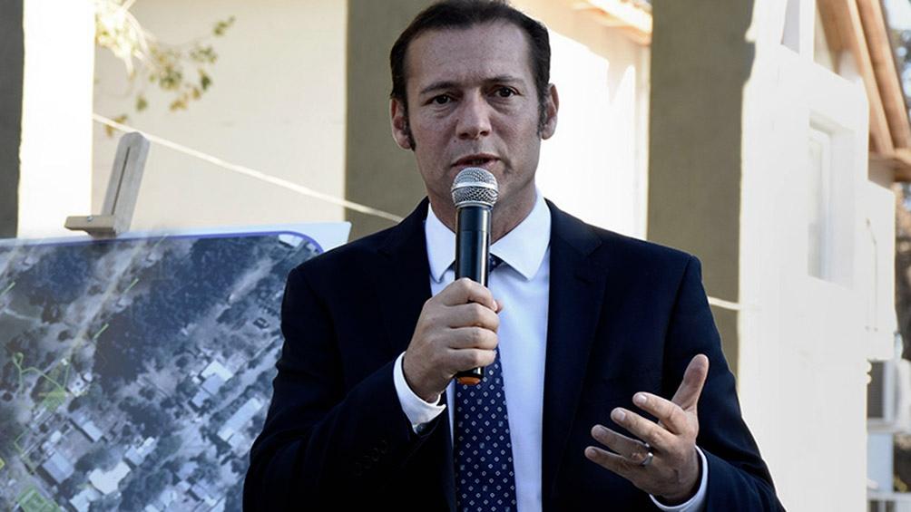 """""""Están viniendo 3.500 nuevas primeras dosis a la provincia de Neuquén"""", dijo Gutiérrez."""