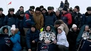Astronautas de la EEIvolvieron a Tierra tras cinco meses en el espacio