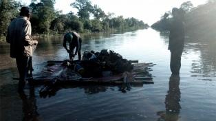 Pese a la bajada del Pilcomayo el agua sigue ingresando a la provincia