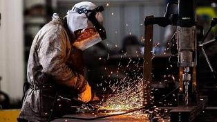 El índice de producción industrial registró una caída de 5,1% interanual
