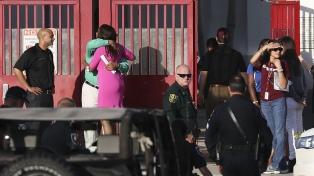 Sobrevivientes del tiroteo en la escuela de Parkland harán una gira nacional por el control de armas