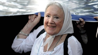 Nora Cortiñas pidió la liberación de Flavia Saganias, detenida en un penal