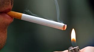 Advierten que las tabacaleras buscan atraer a adolescentes al consumo de cigarrillo